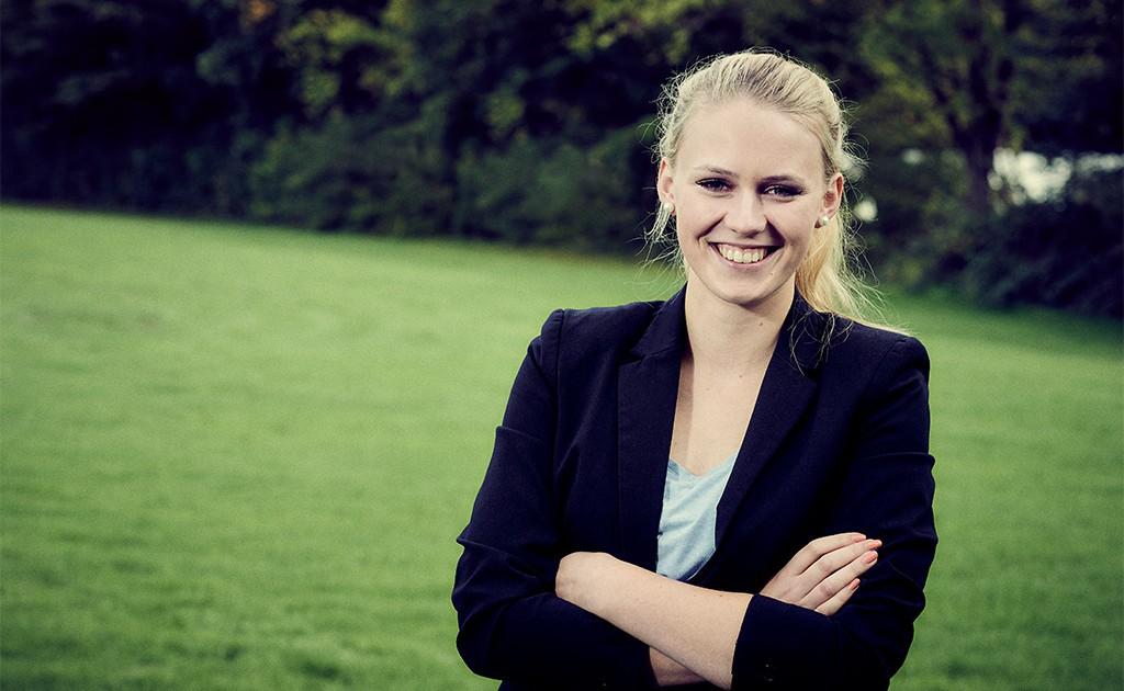 Versicherungsmaklerin für junge Leute - Sofia Breuer